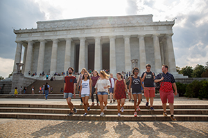 photo - GWSB students visit the Lincoln Memorial