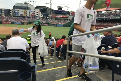 photo - GWU students collect recyclables at Nationals Park